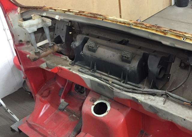 VW Bus T3 alter Lueftungskasten bis 1984 und kein Bremskraftverstaerker