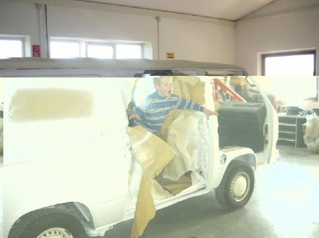 VW Bus T3 frisch lackiert Janno springt