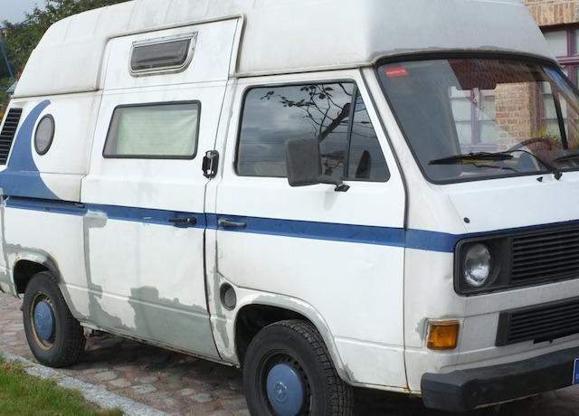 VW Bus T3 mit Fenstern in der Schiebetür Eigenbau