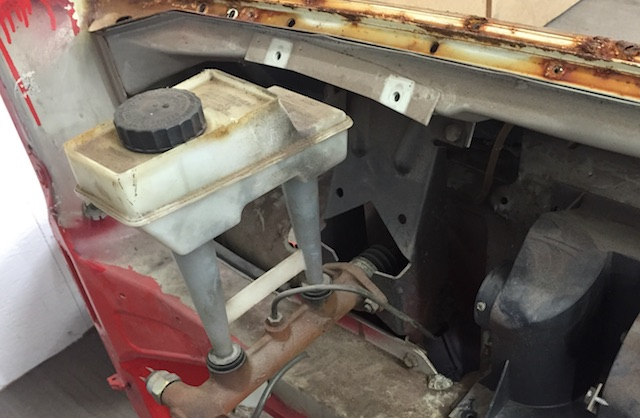 VW Bus T3 ohne Bremskraftverstaerker bis 1982 Nahaufnahme