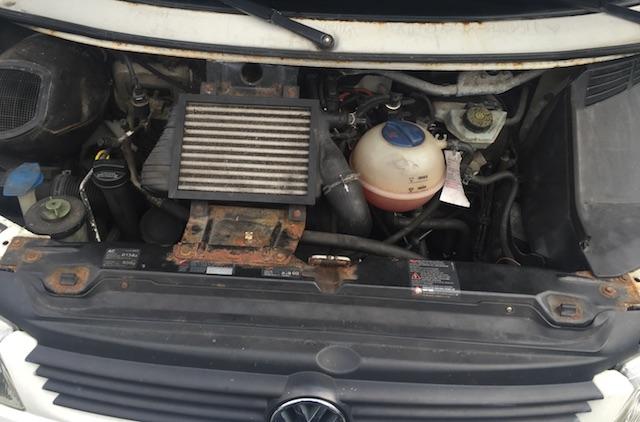 VW Bus T4 5 Zylinder TDI Motorhaube offen