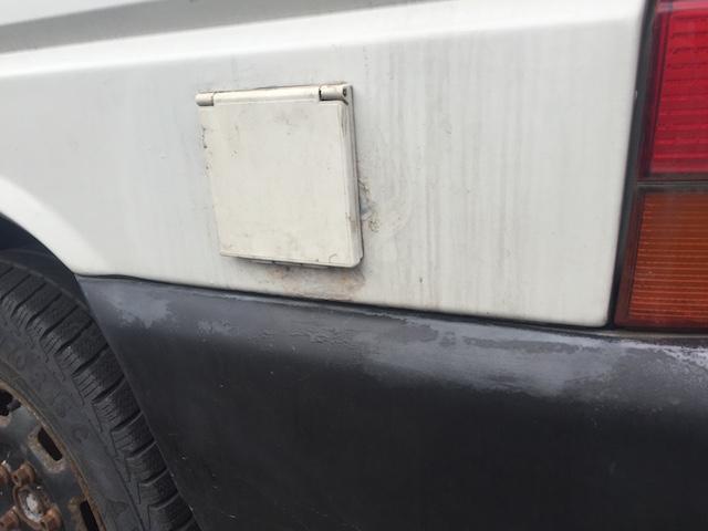 VW Bus T4 Aussensteckdose umlaufen Rostansatz