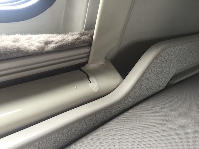 VW Bus T4 California Coach mit Sonnenschutzrolls im Schlafbereich oben
