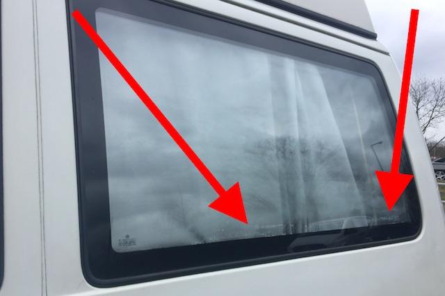 VW Bus T4 Camper Thermoscheiben werden undicht und es lagert sich Kalk ab