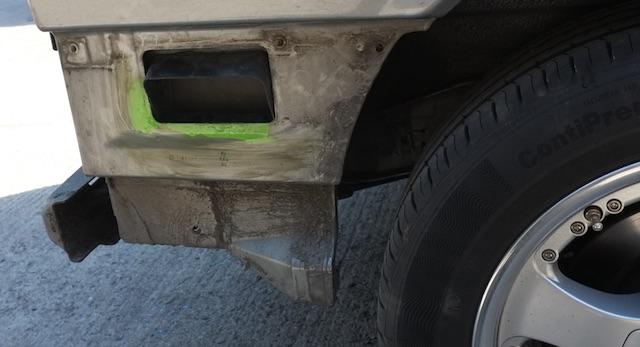 VW Bus T4 Oberflächenrost wird vor m strahlen per San markiert