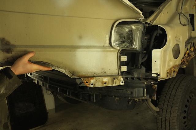 VW Bus T4 Rost an den Kotfluegeln vorne instand setzen