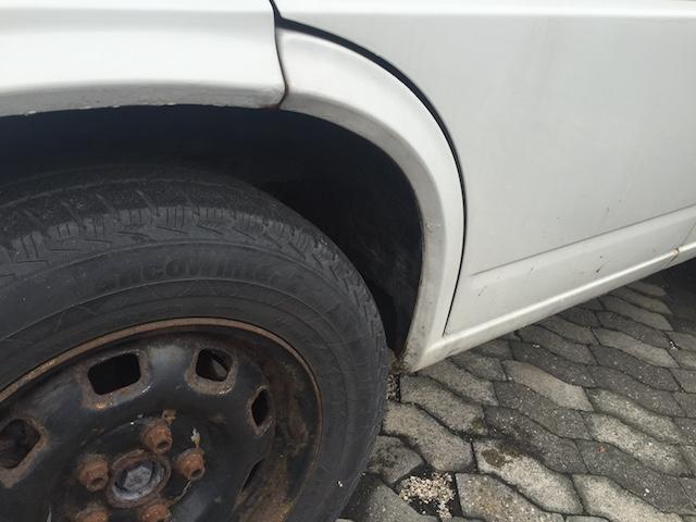 VW Bus T4 Rostnester in den Radhäsern vorne über den Wagenheberaufnahmen