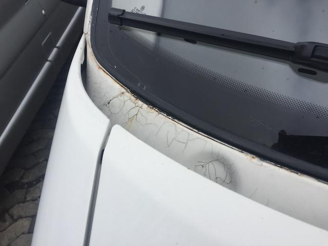 VW Bus T4 Scheibenrahmen stark verostet unterhalb rechts
