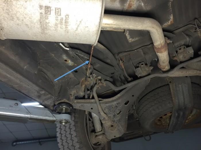VW Bus T4 Unterboden begutachten mit dem BusChecker