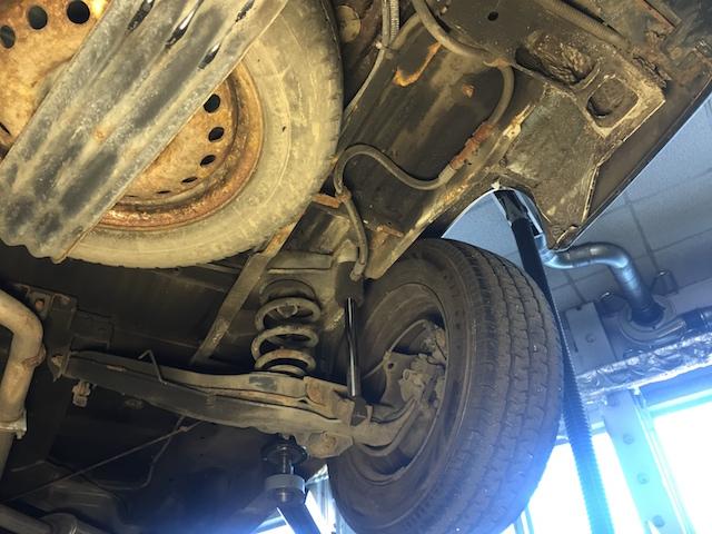 VW Bus T4 Unterboden wenig Rost