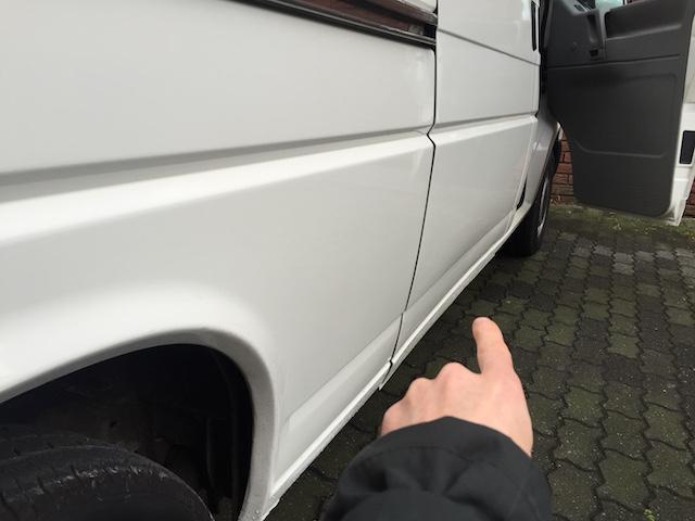 VW Bus T4 hoch und lang Delle in der Schiebetür