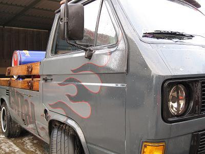 VW Bus T3 Cola Pritsche Flame Job von Jens Collin