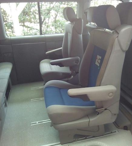 VW Bus T4 innen stark verschlissen