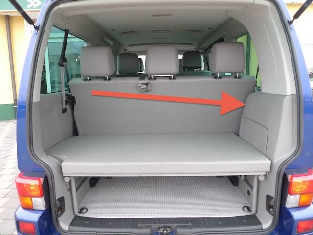 VW Bus T4 mit zwei Zonen Klimaanlage Komponenten der Klimaanlage im Kofferraum hinten rechts