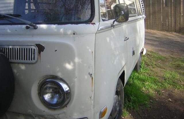 VW Bus T2a Front schlecht reparierter Unfallschaden