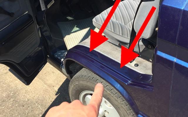 VW Bus T3 Last Limited geoeffnete Fahrertuer enttarnt guenstige Lackierung