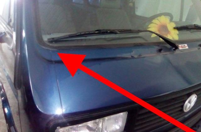 VW Bus T3 Last Limited mit ueberlackierter Fensterdichtung an der Frontscheibe