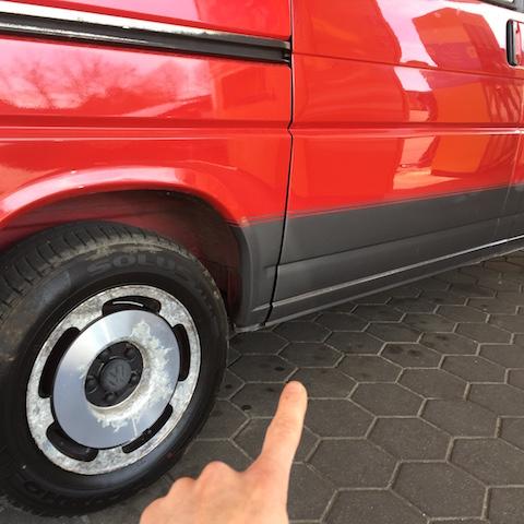 VW Bus T4 Blick untere Ecke Schiebetürdichtung hinten