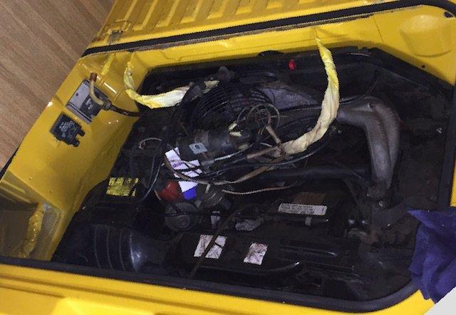 VW Bus T3 Luft gekuehlt Motorraum oben