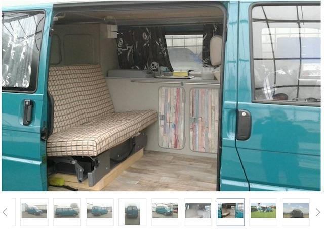 VW Bus T4 low budget Camper Blick durch die Schiebetuere mit dem BusChecker