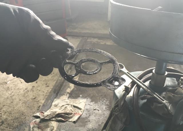 T4 TDI Dichtring Flansch zwischen Oelfilteraufnahme und Rumpfmotor erneuert