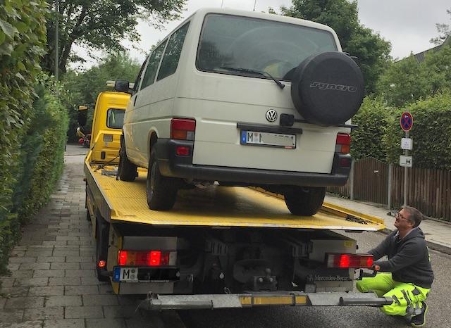 VW Bus T4 abschleppen mit dem ADAC