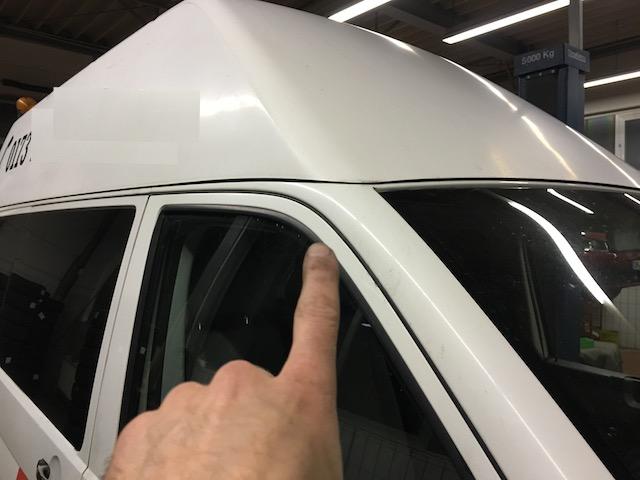 VW Bus T5 Hochdach Übergang zur Karosse Rost Bereich Frontscheibe rechts oben