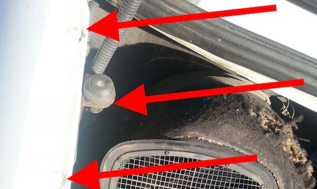 Kotfluegeleschrauben mitlackiert