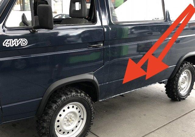 VW Bus T3 Syncro Seitenteil Falz unten durchrostet aussen gespachtelt