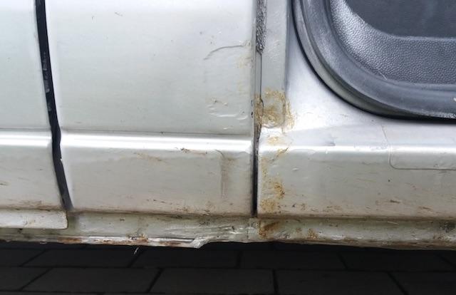 VW Bus T4 Einstieg Beifahrerseite unten schlecht entrostet