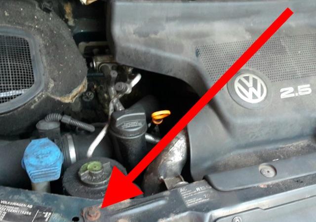 VW Bus T4 Frontmittelteil nachlackiert