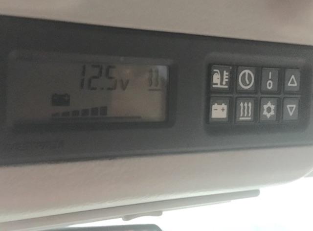 T4 Westfalia Bordcomputer ueberm Innenraumspiegel