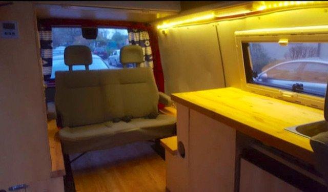 VW Bus Camper FAKE schlechtes Innenraumkonzept