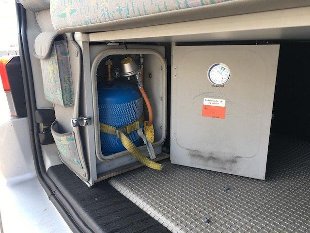 VW Bus T4 Westfalia Camper Gasflasche Kofferraum hinten links