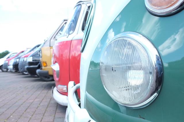 VW Bus frisch restauriert und seinem Wert enteignet