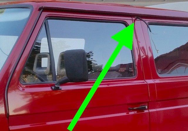 Kabeldurchbruch Blaulicht VW Bus Feuerwehr