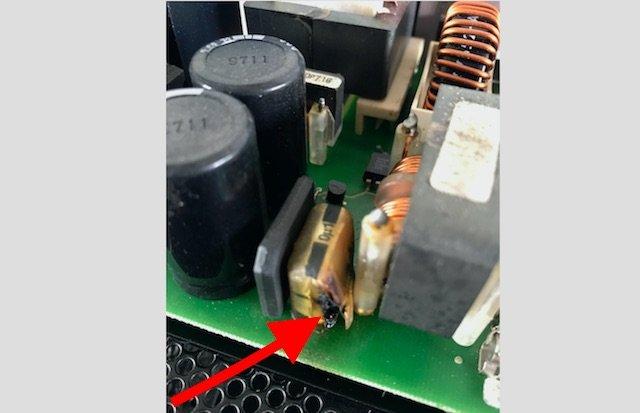 T4 Westfalia Batterieladegeraet brennt ab