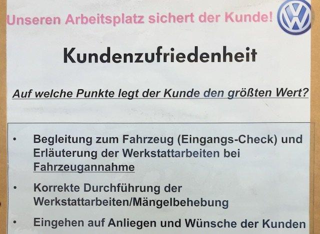 Unseren Arbeitsplatz sichert der Kunde slogan copyright Volkswagen