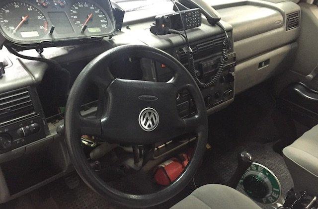 VW Bus Polizei Einsatztechnik zurueckruesten