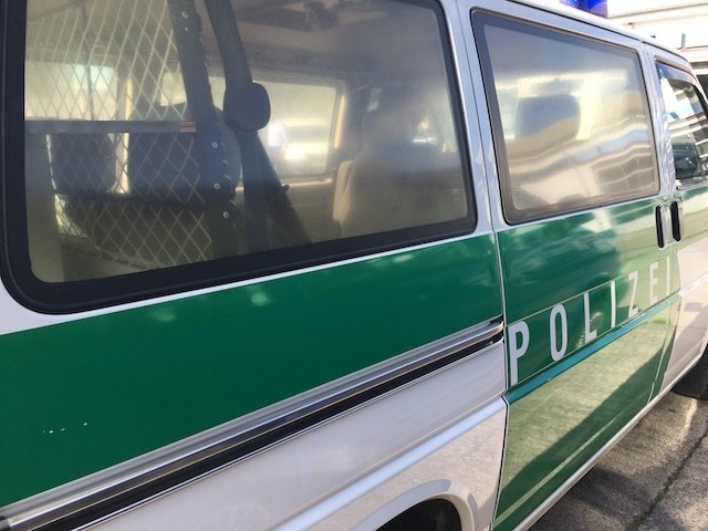 VW Bus Randale Glas vergilbt ex Polizei