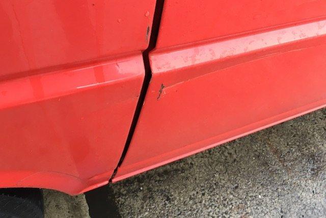 Schiebetuer VW Bus Beule Lackierung