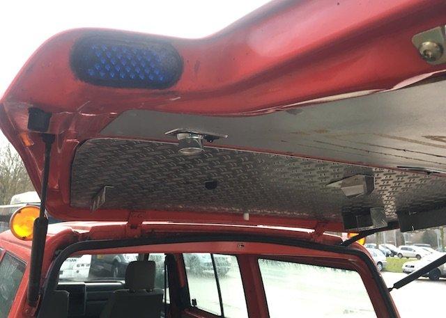 Sonderausstattung VW Bus Feuerwehr Balulicht in Heckklappe