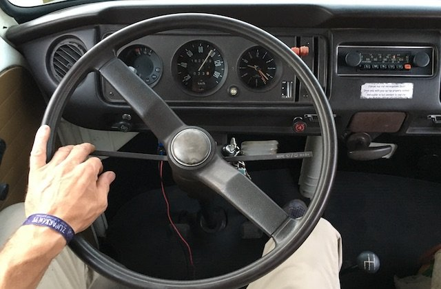 VW Bus T2 begleitete umfangreiche Reparaturen VW Bus Checker