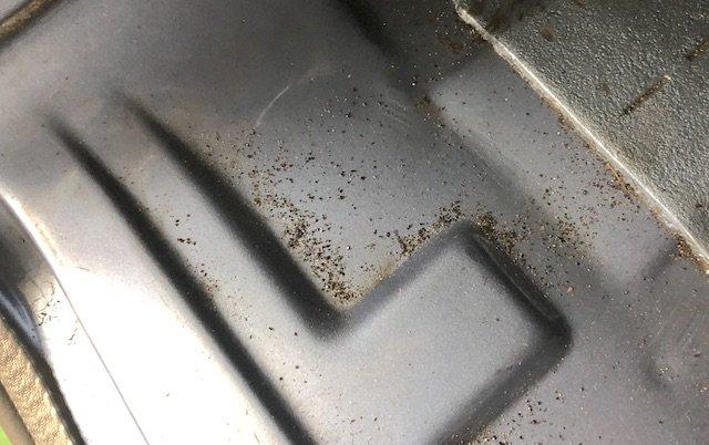 Sand vom strahlen per Sand im VW Bus Rostfrei