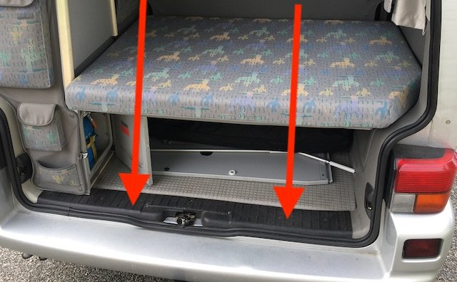 Stossfänger hinten VW Bus T4 Roszt unter Abdeckung
