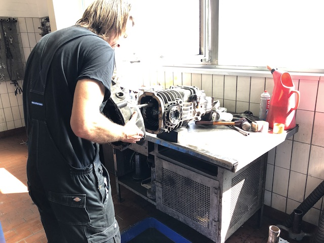 VW Bus T3 Getriebe Instandsetzung nacharbeiten BusChecker