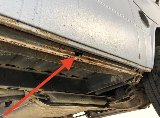 VW Bus T3 Schweller Schiebetür unterhalb durchrostet