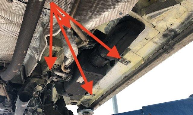 Halter Umluftheizung VW Bus T5 Unterboden