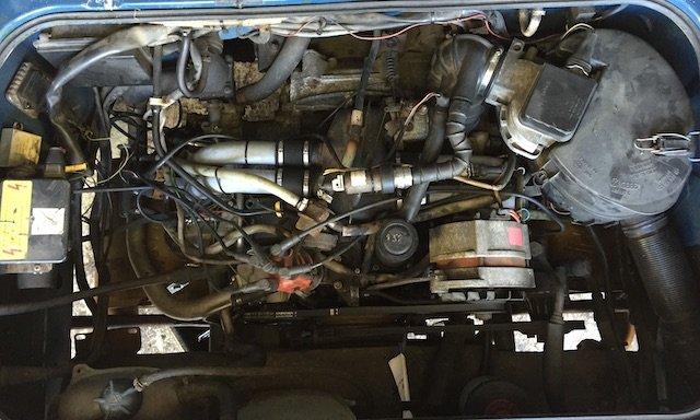 Motorraum Boxer Benziner Einspritzer Zündkabel sollen sich nicht berühren
