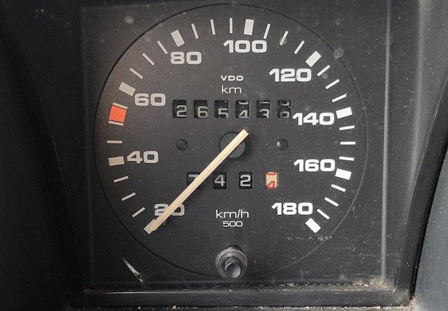 Tachowalze VW Bus T3 ausgehängt